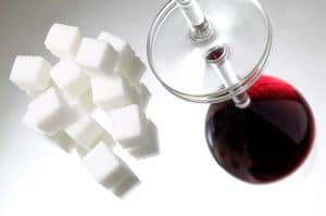 Red wine with sugar cubes